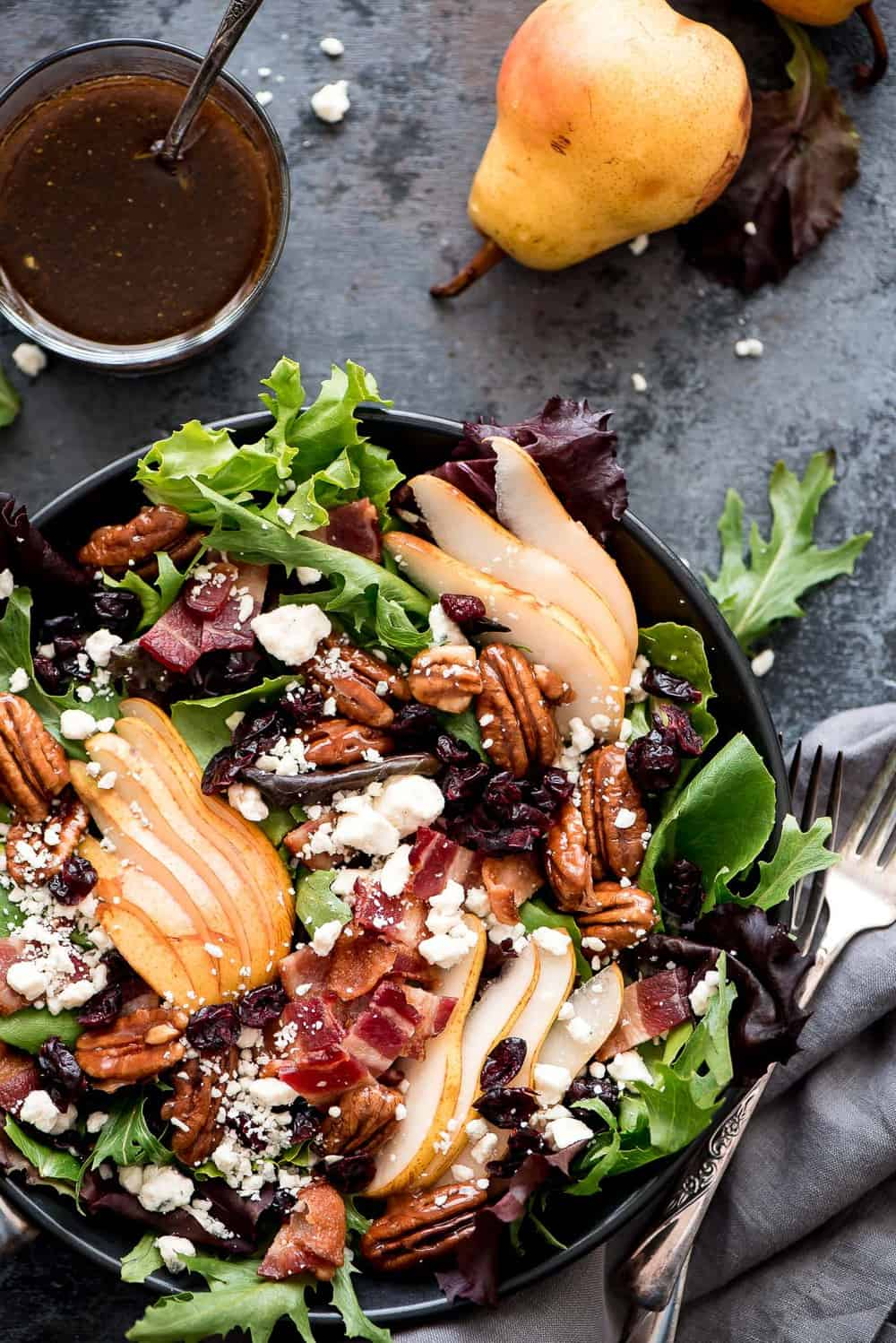 Bacon Gorgonzola Pears Salad Recipe - Cooking Frog