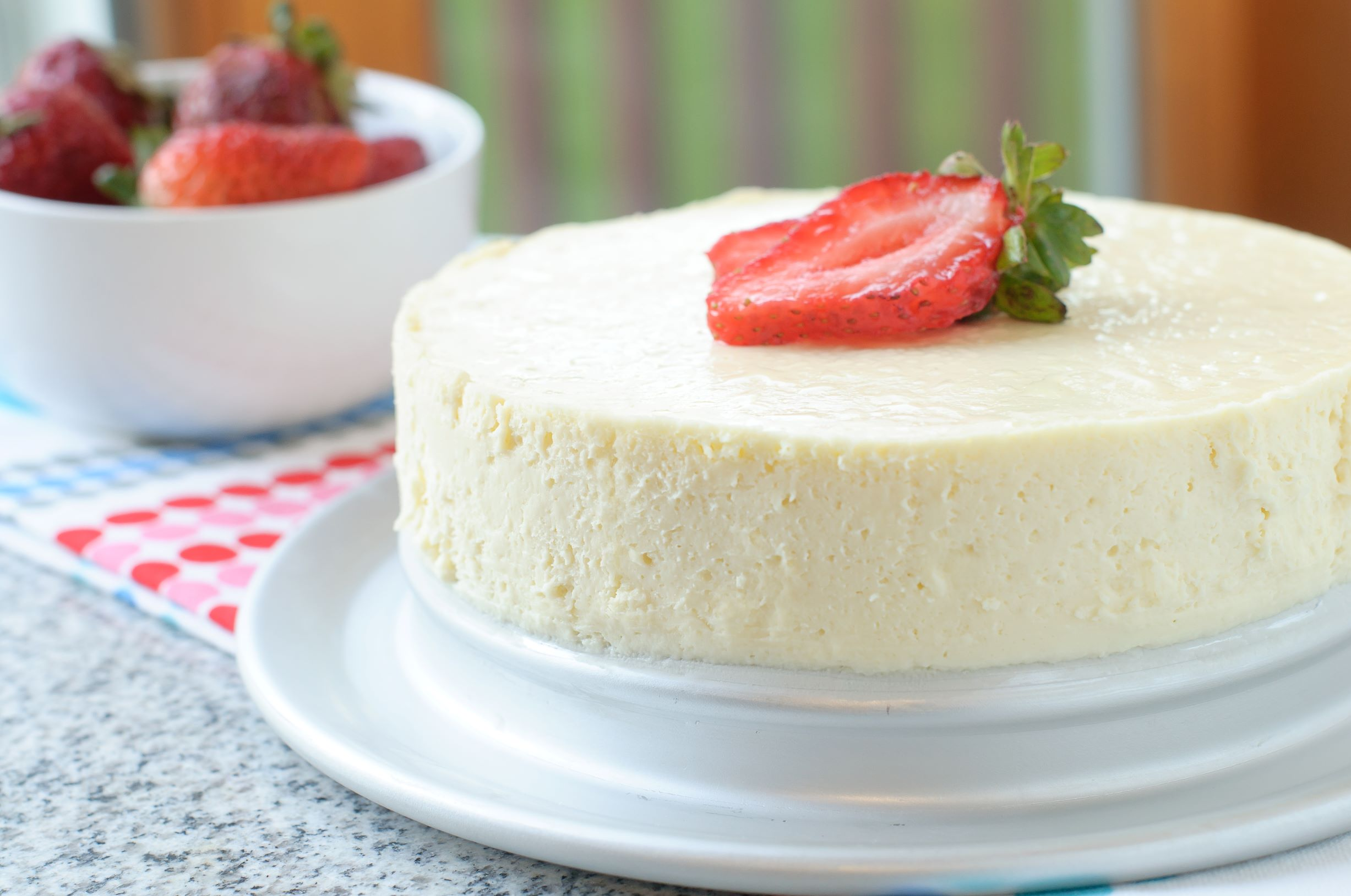 Crustless Creamy Cheesecake Recipe