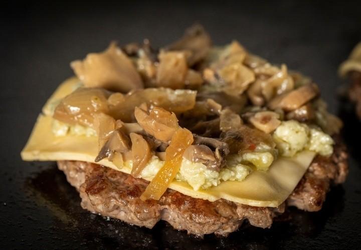 Blackstone Griddle Juicy Smash Burger Easy Recipe